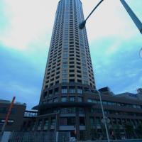 地上45階建ての高層マンション – 中目黒アトラスタワー