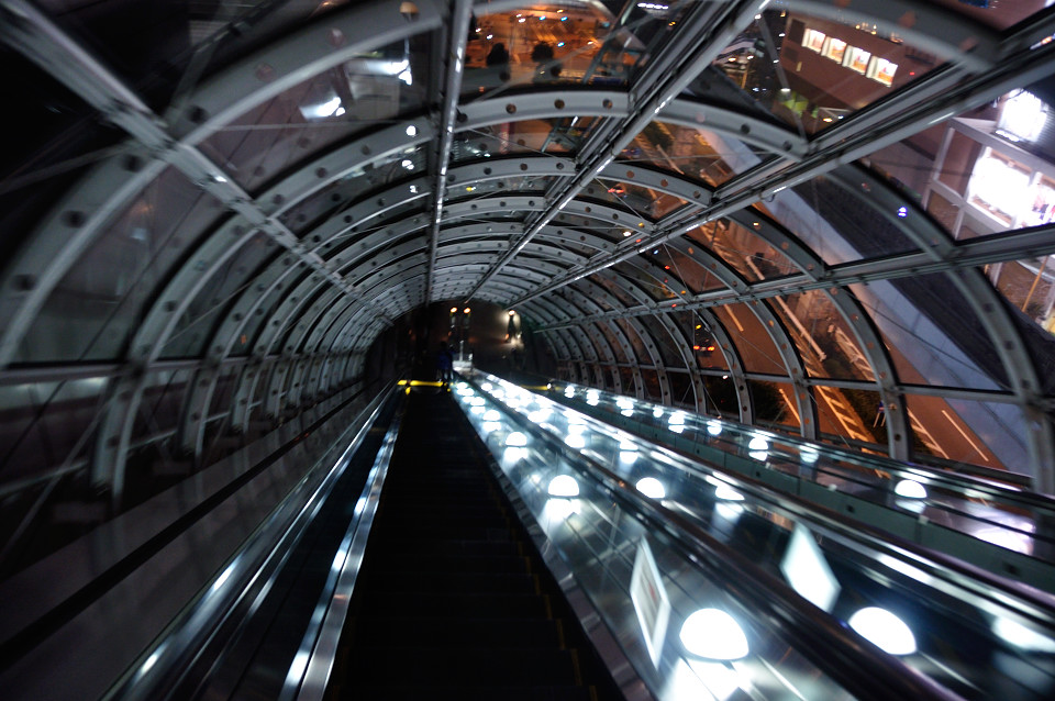 fuji-tv-tube-escalator-0002