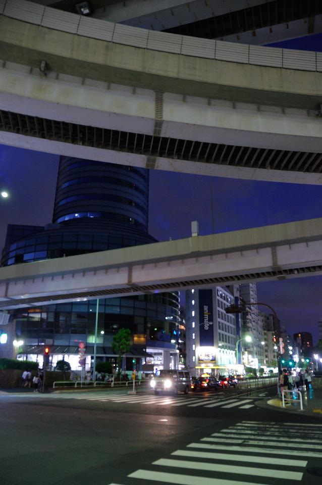 首都高速5号池袋線(サンシャイン前交差点)