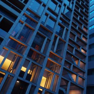 夜明けの道路に潜む幾何学模様 - 新木材会館